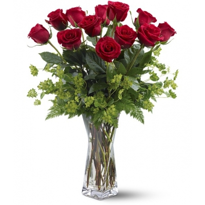 Valentines day and romantic fresh roses in Portland OR
